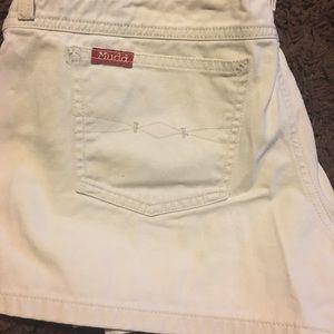 Mudd cute shorts.  Cream in color.